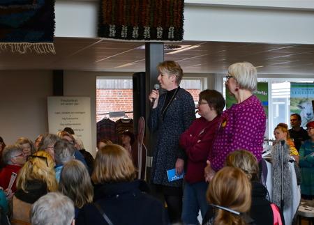 Landstingsdirektör Gunilla Andersson invigde Fårfesten.