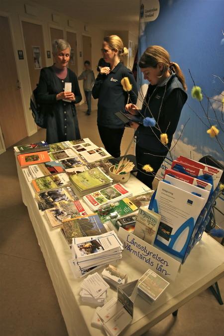 Representanter för Länsstyrelsen i Värmlands län var på plats för att informera om aktuella projekt inom natur och miljö, rovdjursförvaltning och fårnäring m.m.
