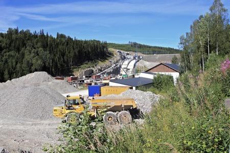 Fortum, som äger Höljesdammen, investerade närmare en halv miljard kronor på att förstärka dammen och bygga ett nytt utskov.