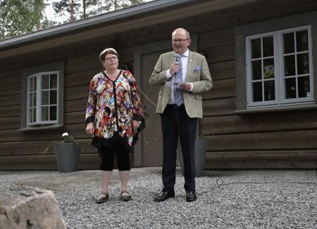 Landshövding Kenneth Johansson höll invignings-talet och klippte repet.