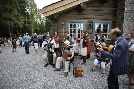Mangskogs Spelmanslag stod för den musikaliska underhållningen.