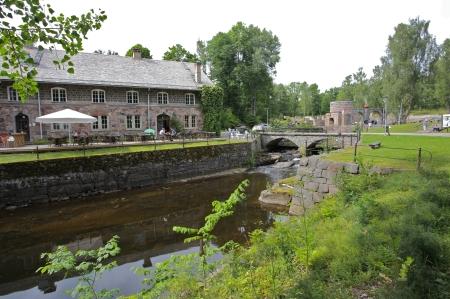 Efter ca 3 mil västerut passerar Unionsleden den gamla bruksmiljön vid Borgvik. Information på sidan www.borgvik.biz