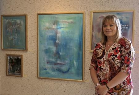 Anna-Lena Pettersson visade sina alster i konstutställningen. Läs mer om Anna-Lena på  www.alpas.se