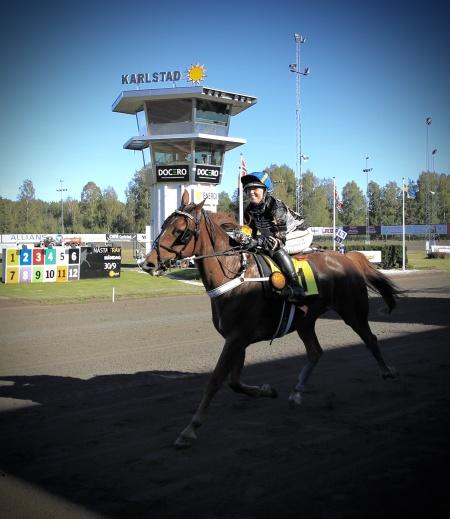 Star Advisor Joli med Emilia Leo i sadeln segrade i Unionstravets Montékamp.