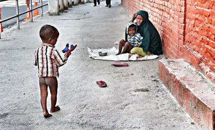 Barn som lever på gatan, Kathmandu, Nepal