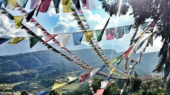 Böneflaggor i Himalaya