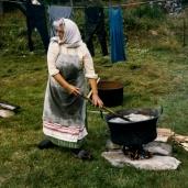 Elsa bykar och tvättar 1986 Foto:okänd