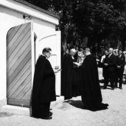 Invigning av bårhuset 7 juni 1964. Foto: Lilly Kroon