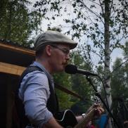Karl-Henrik Johnasson underhöll med bl a visor av Dan Andersson