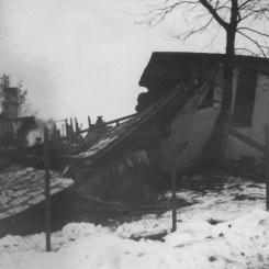 Linkullen brinner ner 5 Foto: Lilly Kroon februari 1955