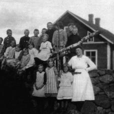 Karsemåla skola 1924. Lärare: Blända Johansson