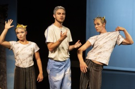 Mira Björkman, Lucas Carlsson, Viktor Gyllenberg . Foto Martin Skoog.