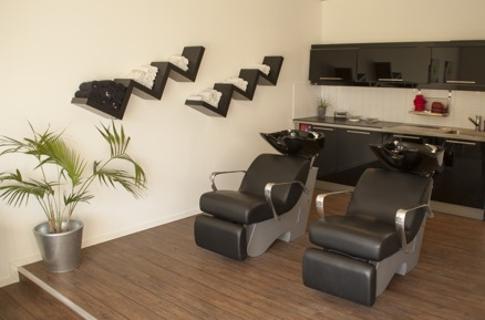 Våra sköna massagestolar där vi tvättar ditt hår