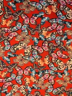 Fjärilar på röd botten trikå - Fjärilar på röd botten trikå