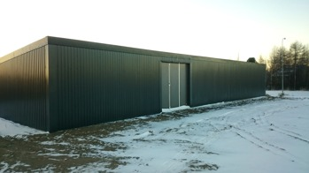 Garage byggsats med plåtfasad