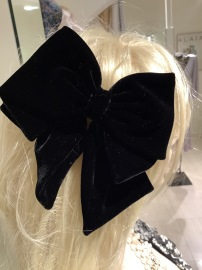 VELVET LARGE HAIR BOW