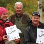 1:a pristagagare Lena och Lars med domaren Henrik Standertsköld