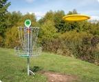 Frisbee golf utanför tomten