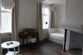 Boka vår 2 rums studio, familjerum med fyra bäddar + bäddsoffa 140cm på Vallarnas B&B i centrala Falkenberg