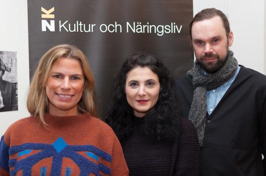 Ebba Bozorgnia, Paulina Sokolow och Jonas Kleerup som har drivit podden Konstfolket. Foto: Ian Hobbs