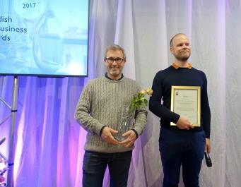 Två nöjda hederspristagare: Anders Wikström och Hampus Sahlqvist från Wenngarn/Sisyfos.