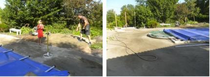 Stenmjöl och sand på plats och blivit bra packat med markvibrator. Nu börjar markarbetet runt om...