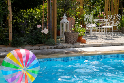 Sommaren 2014, poolmiljön utvecklas vidare...