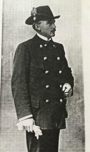 Hovjägare Carl Behrnerts i sin gröna uniform