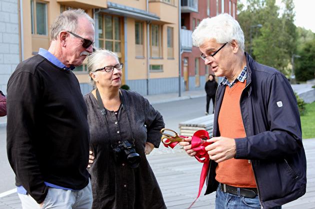 Mårten Castenfors från Stockholm Konst var förberedd med guldsax och rött sidenband