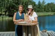 Festfixarna Sarah Toresson och Birgit Leistman-Walsh