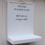 Mobilhylla i handtextad skrivstil