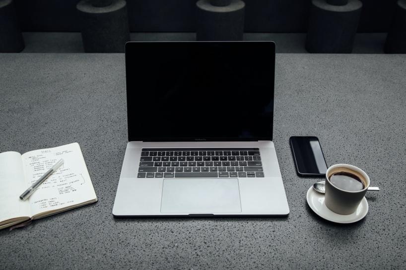 Bilden visar en dator som vår copywriter skriva texter på