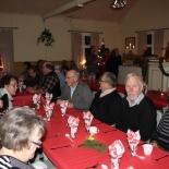 12 Gästerna samlas