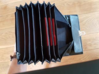 Taxiplånbok , 7 sedelfack, 7 kort - Taxiplånbok med 7 sedelfack