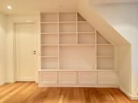 Förvaring, anpassad bokhylla med plats för tv