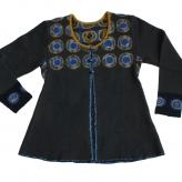 Brun tröja. Stickad i lammull, färgad med shibori-teknik. 2013.
