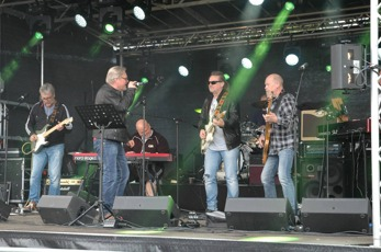Bula Blues Band i full aktion. Foto: Totte Ljunggren.