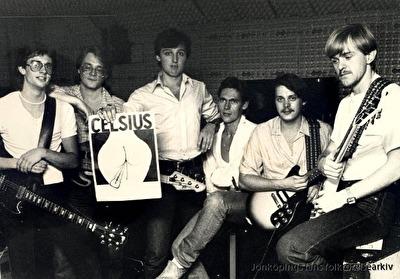 """Celsius i replokalen """"Äggcentralen"""". Från vänster: Lennart Wass, Stefan Valfridsson, Lasse Spång, Kent Liljekvist, Thomas Romedahl och Leif Mårdström. Foto från Stefan Valfridsson."""