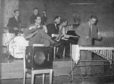 Lars Svenssons orkester på Roddarnas 1949. Foto från Evy Jormin (JFA).