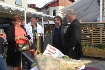 Lars Östvall i samtal med Olle Nilsson och Jerry Hansson. Foto: Kerstin Ericsson.