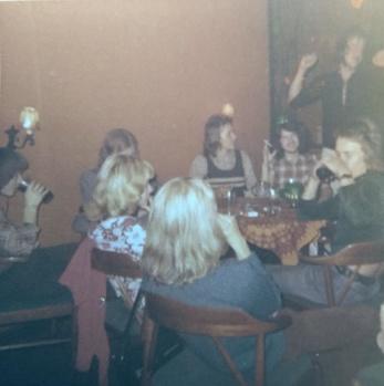 Fest på Sandemans, ca 1971. Foto: Christina Hildingsson.