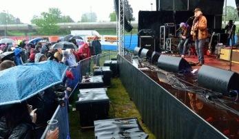 Anders F Rönnblom med band på Nostalgi-scenen. Foto: Bruno Edberg.