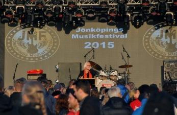 Monica Törnell on stage. Foto: Lena Clarin.