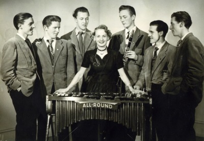 Six Swingers 1949: Rune Liedström, Charles Gustafsson, Hans Svensson, Gun Carlsson, Gösta Hörndahl, Gunnar Engkvist och Rune Ceder. Foto från Rune Liedström.
