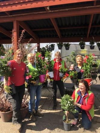 Tjejerna på bilden : Karin , Majsan ; Gittan, Jette och Kajsa