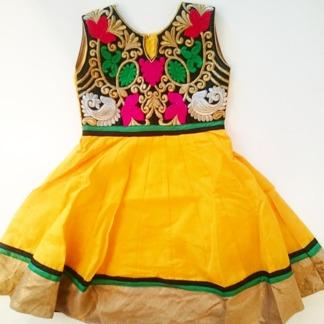 Barnklänning mönstrad Elsa - Elsa Gul stl. 24