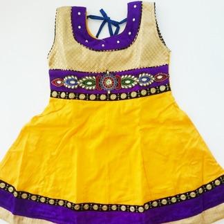 Barnklänning Tiana flera färger - Tiana Gul stl. 24