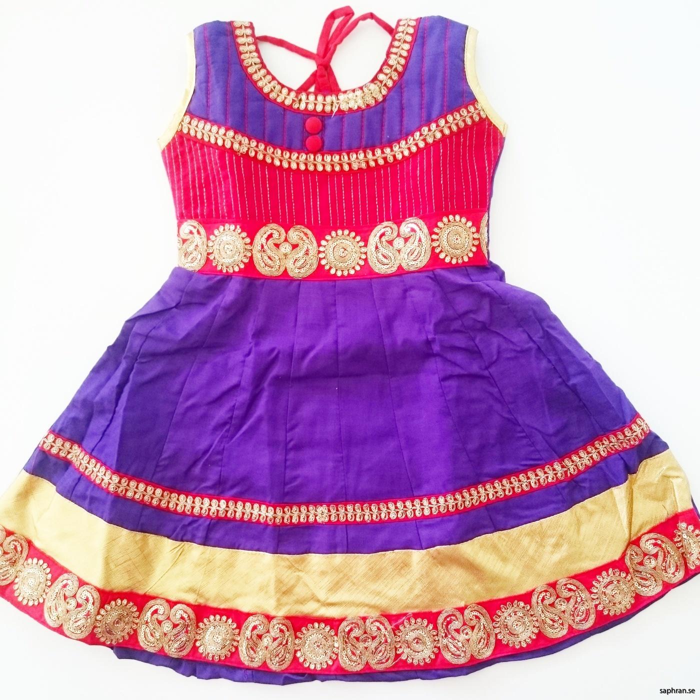 Indisk barnklänning lila