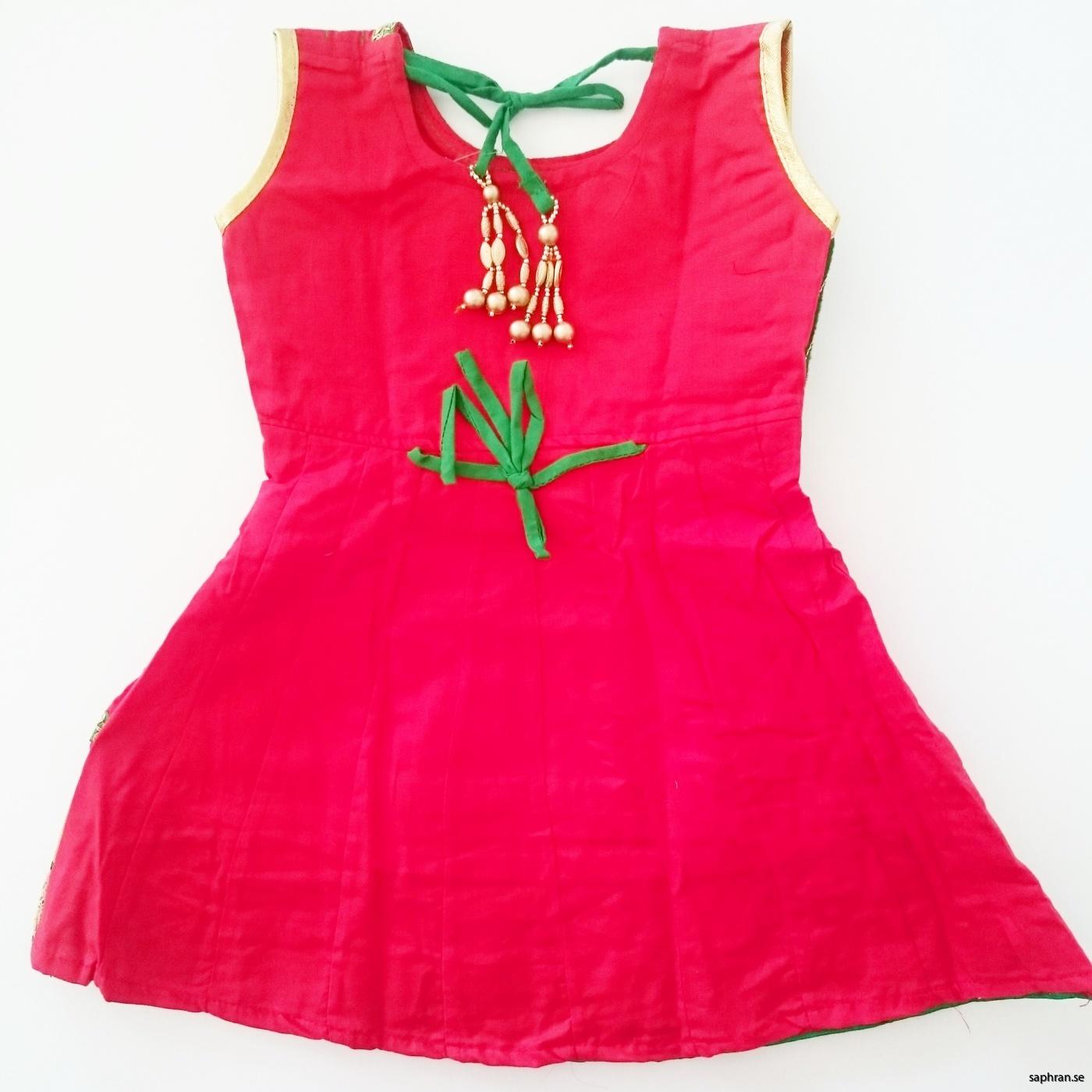Indisk barnklänning röd