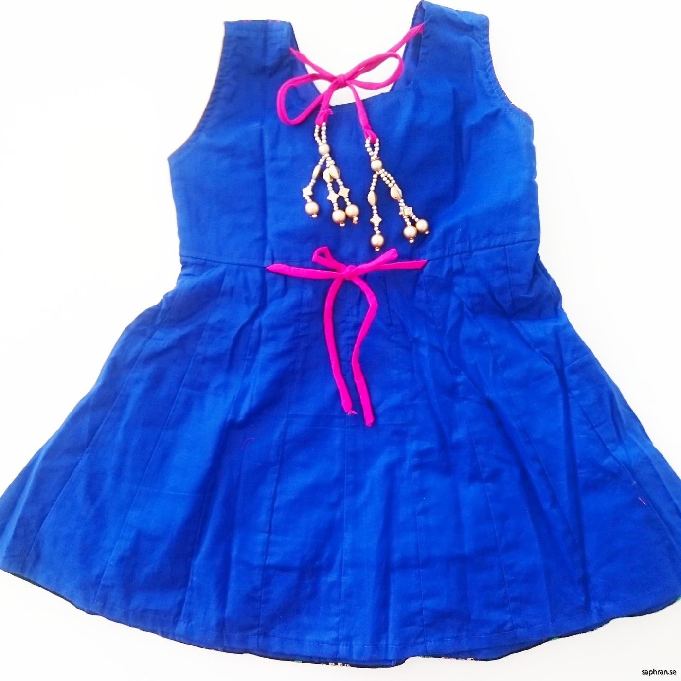 Indisk barnklänning  Anna Blå bak
